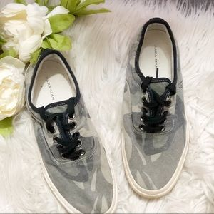 Zara man camouflage sneakers